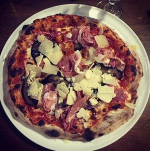 top meilleures pizzeria saint-etienne stromboli